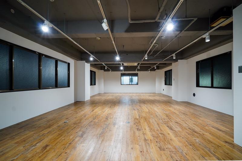 【デザイナーズ】閑静な蔵前30坪弱 ウッドフロアと自由自在なライトアレンジ