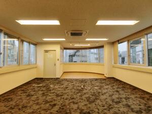 【セットアップ】渋谷、約30坪。 可動式の会議室がイマドキなデザイン