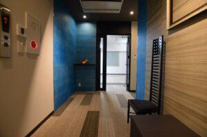 【セットアップ】中央区エリア 60~70坪 和テイストが魅力、広々ラウンジがあるオフィス