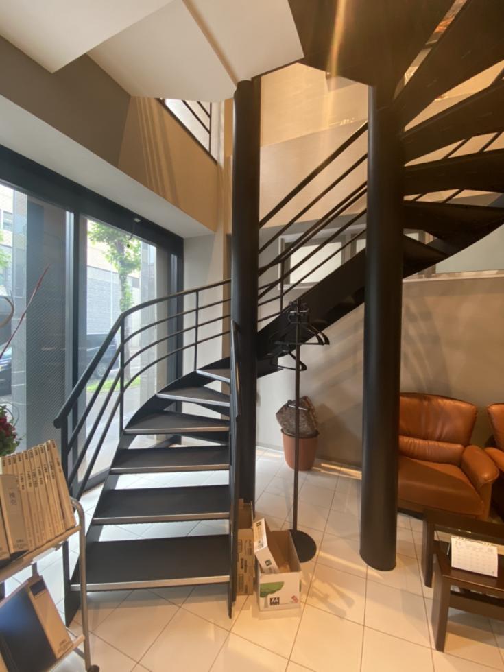 【セットアップ】札幌、35-50坪。築浅の内装付きお洒落オフィス。