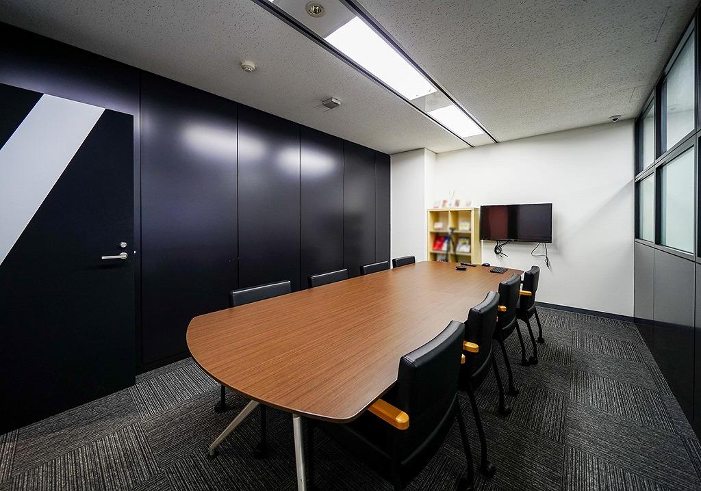 【居抜き】目黒エリア、好立地・使い勝手のよいオフィス