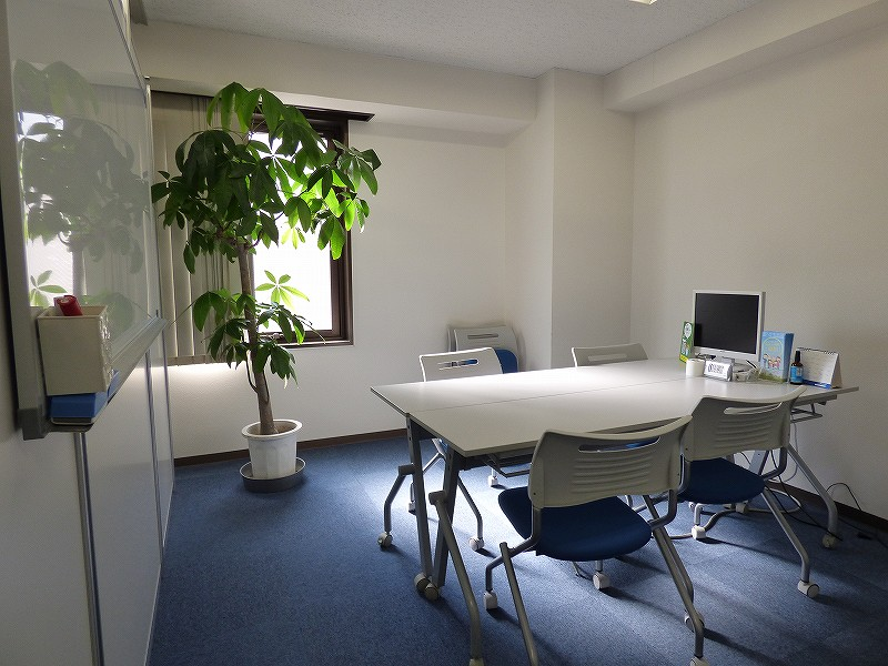【居抜き】中央区・本町エリア 高機能な居抜きオフィス