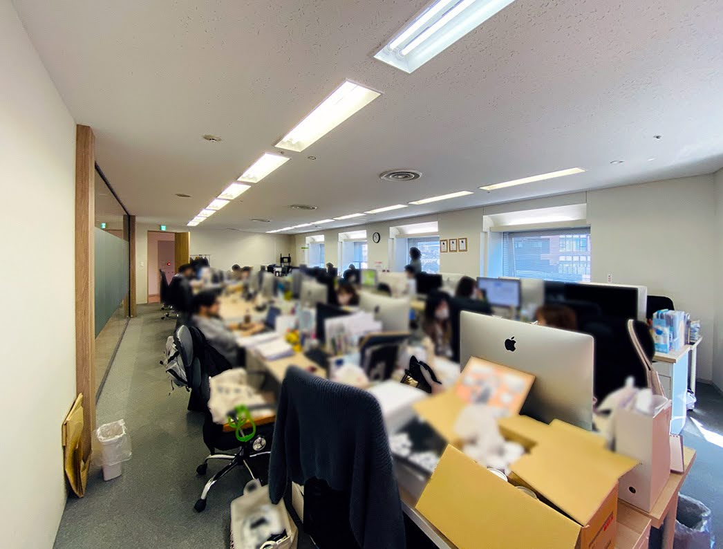 【居抜き】恵比寿エリア 癒し感じる、造り込んだ木目調オフィス。