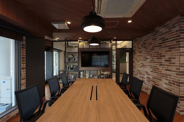 【居抜き】新宿エリア 複数個室あり 解放感のあるおしゃれオフィス
