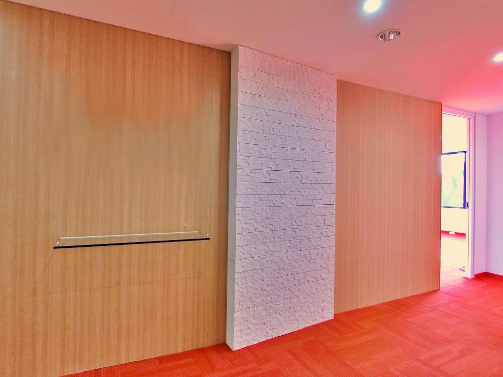 【居抜き】「赤色」が好きな企業様はぜひ!シンプルな居抜きオフィス