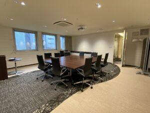 【居抜き】六本木駅近 セミナールーム・会議室設置済み 好立地物件!