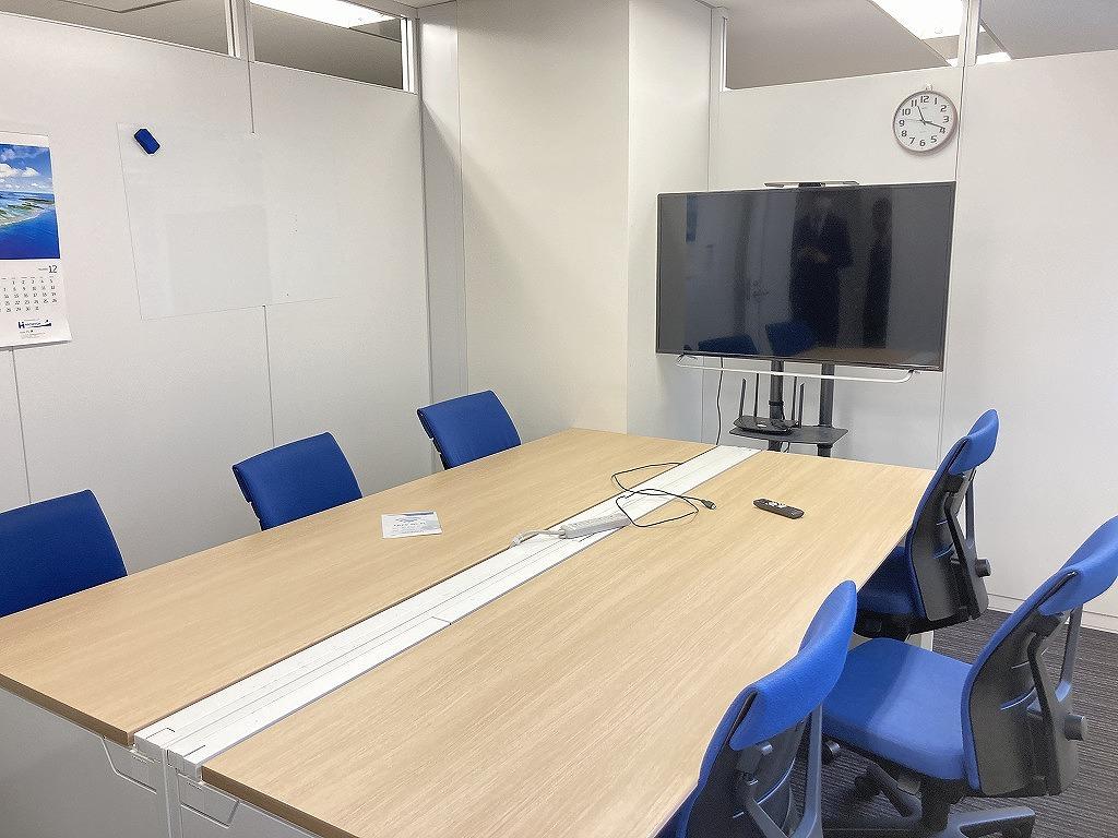 【居抜き】日本橋エリア 会議室有・ガラスパーテーション 実用的間取り!