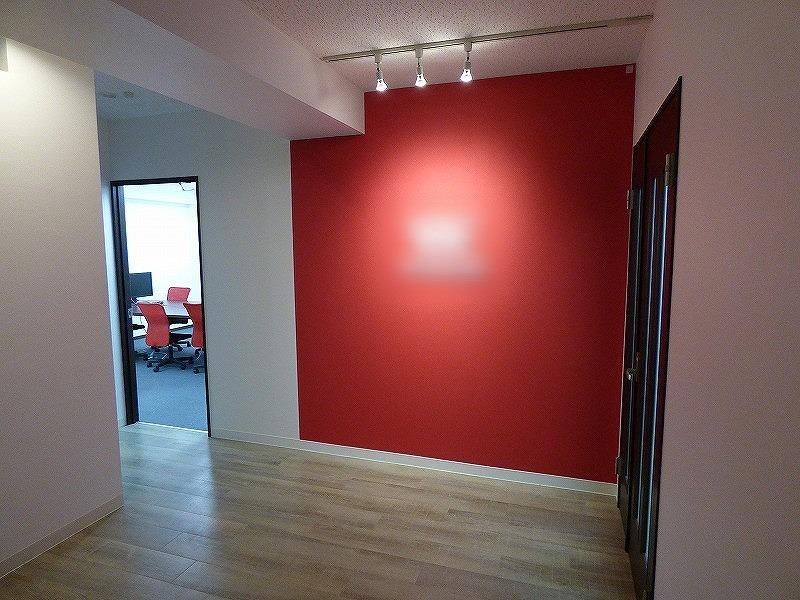 【居抜き】心斎橋エリア、約40坪 会議室付きのお洒落なデザインオフィス!