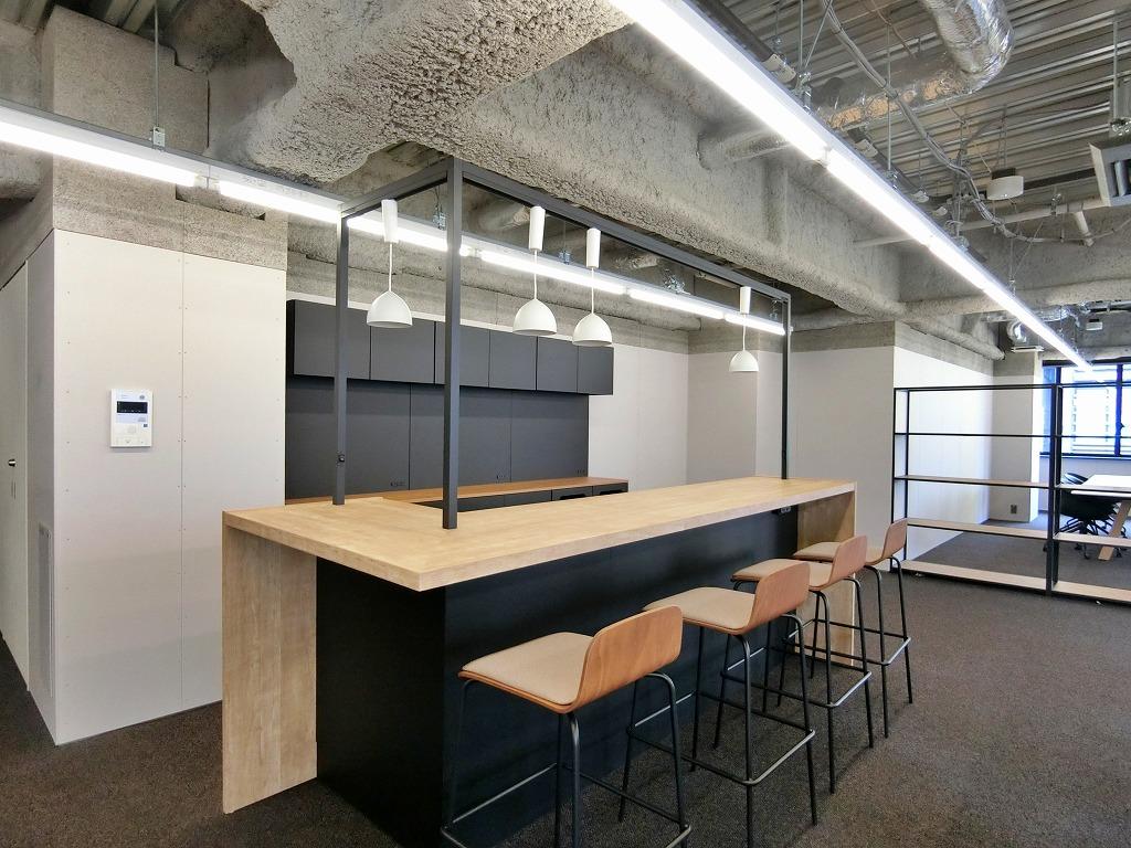 【セットアップ】中央区エリア 開放的で働き方のフレキシブルさも兼ね備えたオフィス