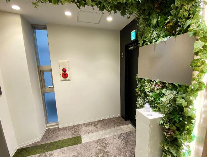 【居抜き】恵比寿エリア シンプルかつ会議室2つ