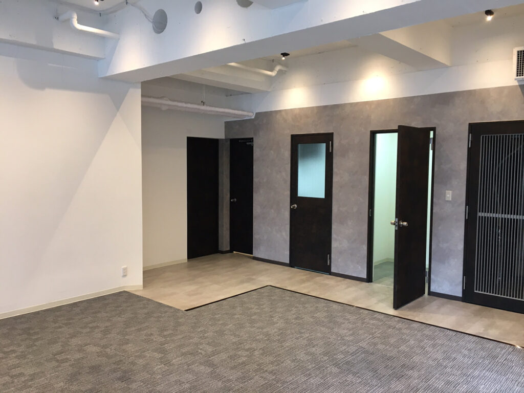 【デザイナーズ】 銀座住所のリノベーション済オフィス