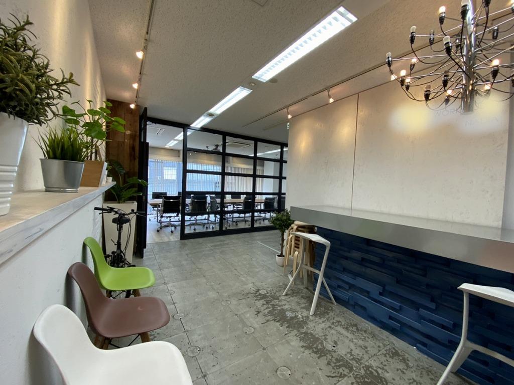 【居抜き】六本木に佇むお洒落オフィス、大型会議室あり、その他複数打ち合わせ、MTスペースあり