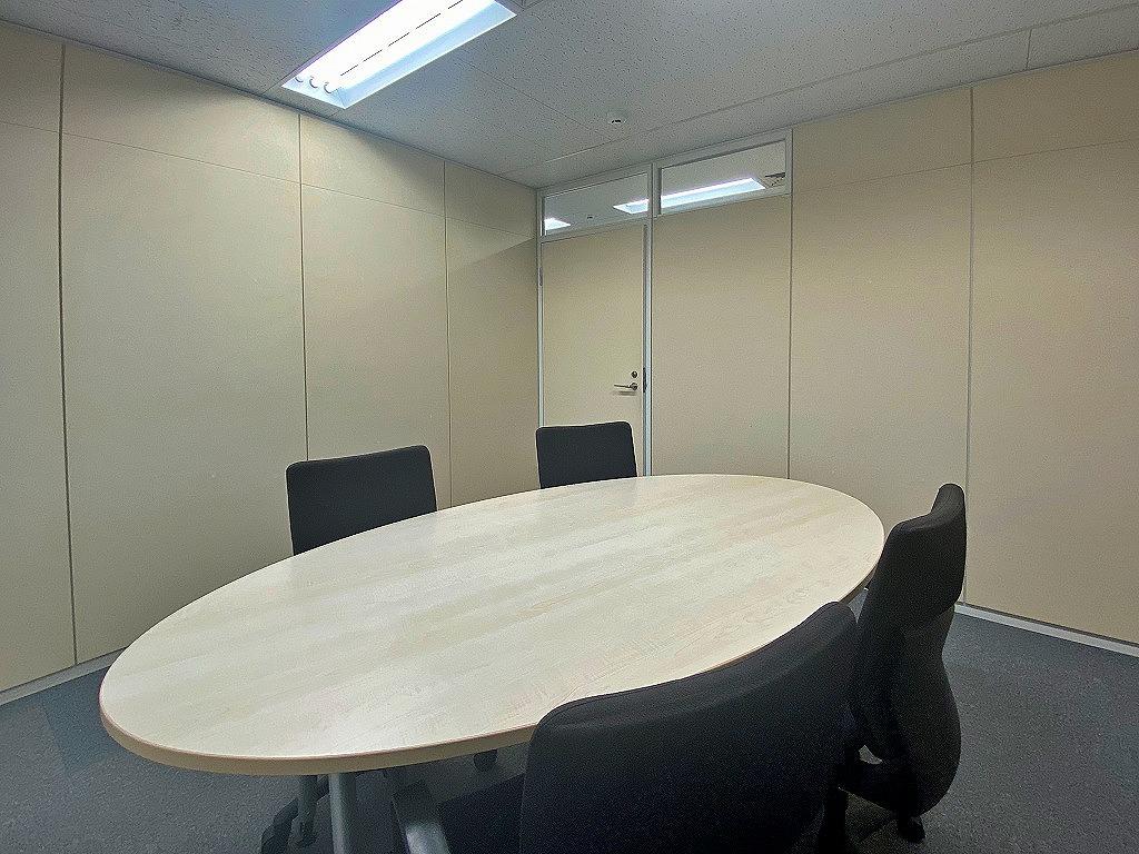 【居抜き】赤羽橋エリア。会議室2室付き居抜きオフィス