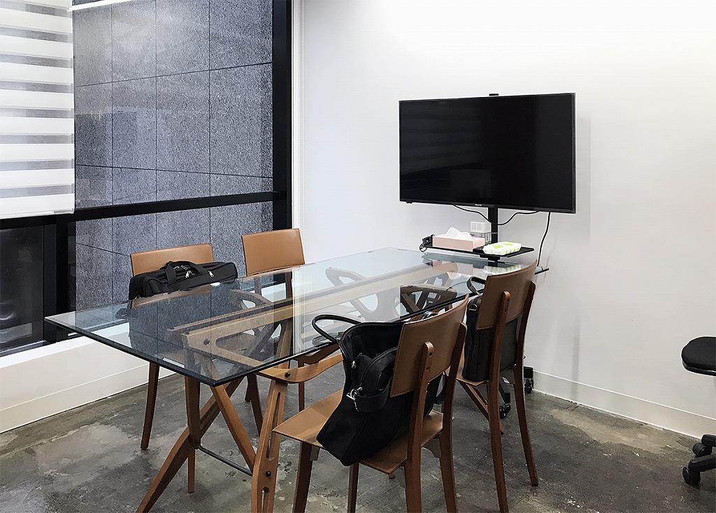 【居抜き】渋谷区神宮前 約50坪 床材むき出し、オープンな空間のとがったオフィス