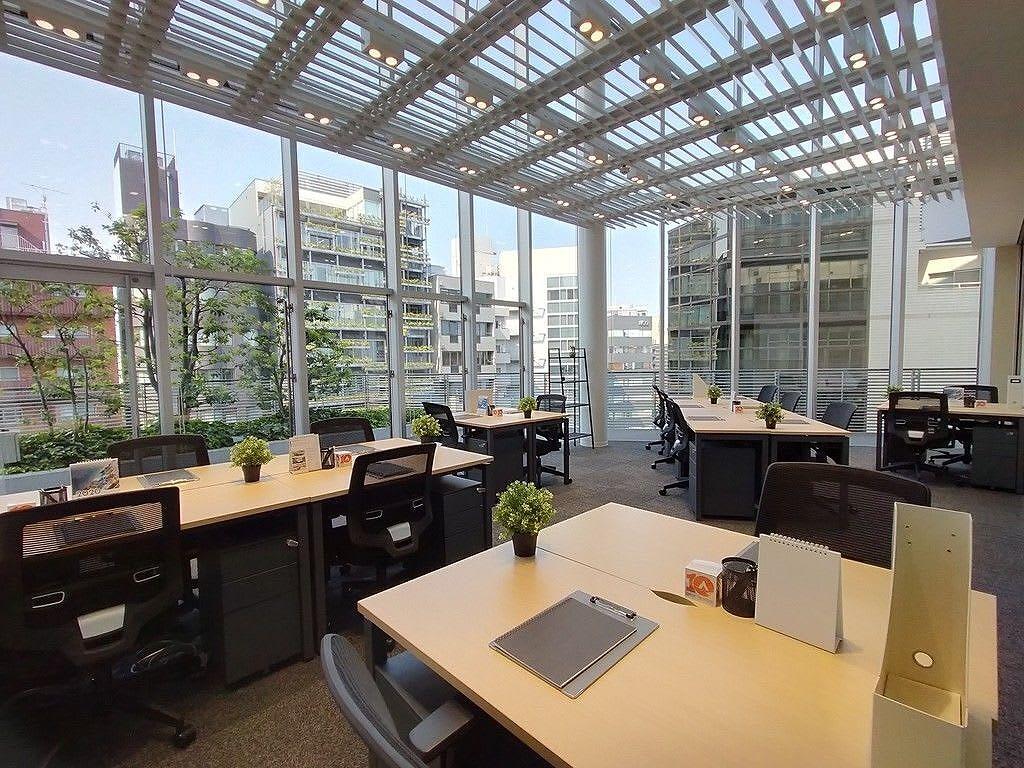 【セットアップ】豊かな自然光が差し込む、ハイグレードシェアオフィス!