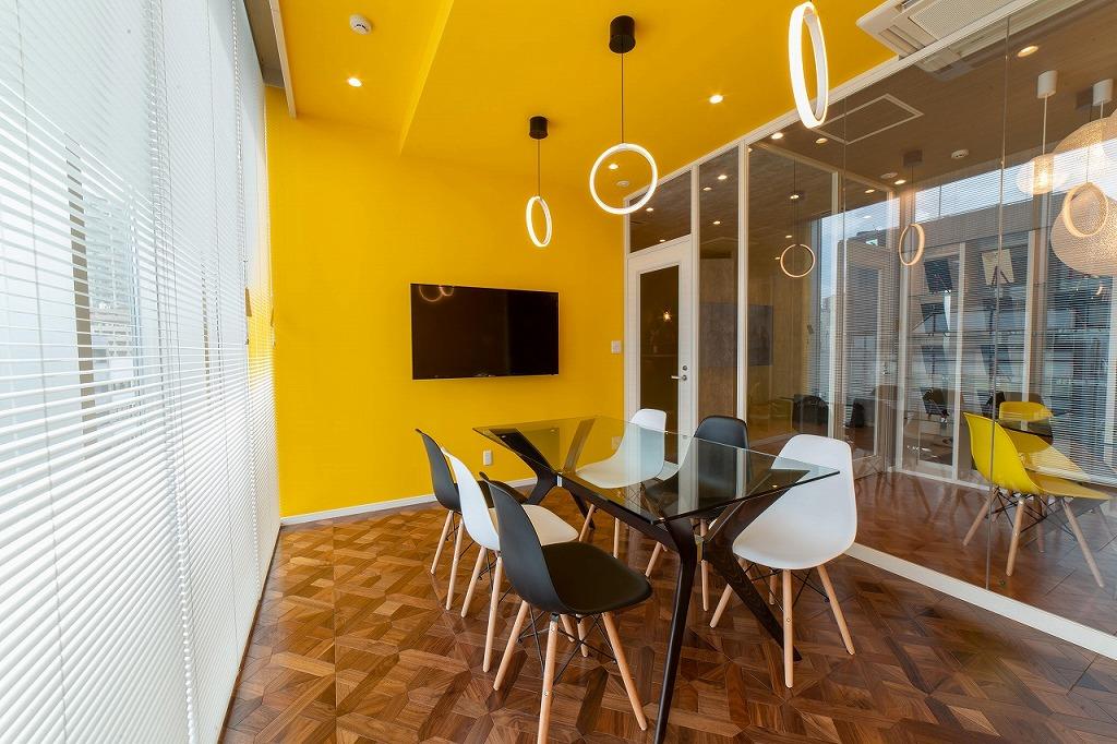 【居抜き】新宿・約40坪 2面の雰囲気を合わせもつワンランク上のお洒落オフィス