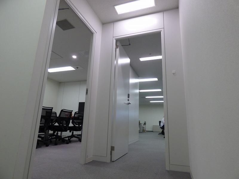 【居抜き】大阪心斎橋エリア!期間限定!!会議室付き居抜きオフィス!